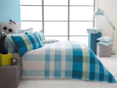 household-goods/bed-linen-towels/vintage-style-valentino-duvet-king-teal-