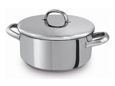 household-goods/cookware/europa-casserole-with-lid-32cm-